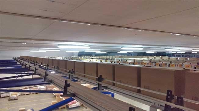 convoyeurs Carryline destinés à accumuler les produits a été installé en hauteur